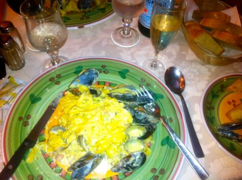Mussels and spaghetti - after living in a landlocked city for so long any seafood is divine!